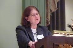 Mona Scheuermann lecturing Dec 3 2011 (Vicky Hinshaw photographer)